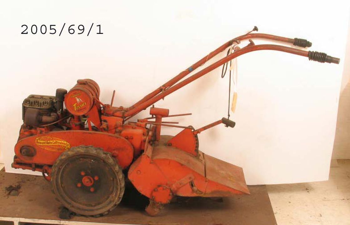 2005/69/1 Terrier rotary hoe, metal / rubber, made by Howard Auto-cultivators Ltd, Northmead, New South Wales, Australia, 1952-1960. Click to enlarge.