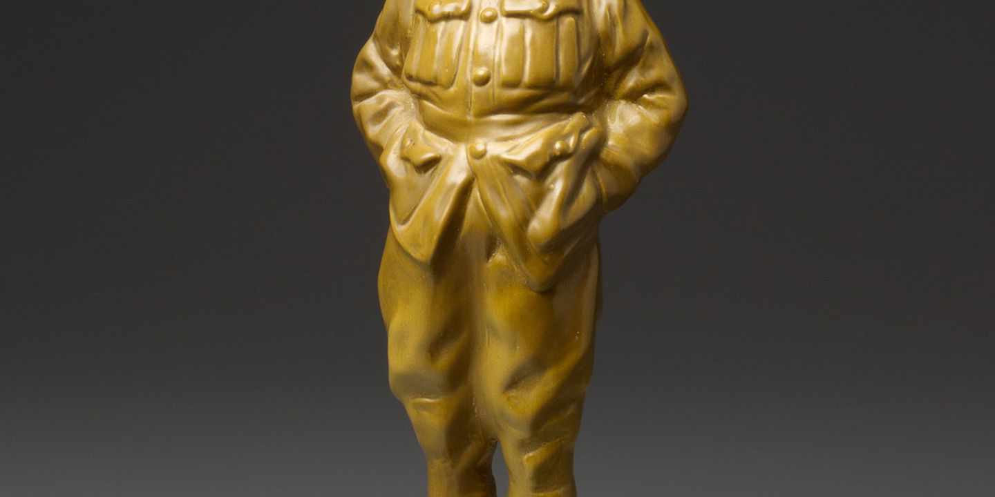 96/399/1 Figure, 'Digger', porcelain, Ernest W. Light/Royal Doulton, Burslem, England, 1915-1938. Click to enlarge.