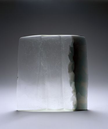 2003/180/1 Sculptural form, 'Light Well', cast glass, hand-carved and hand-polished, made by Richard Whiteley, Canberra, Australian Capital Territory, Australia, 2003