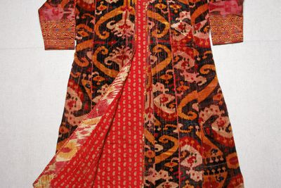 85/1439 Coat, mens, silk ikat velvet, Uzbekistan, mid-19th century