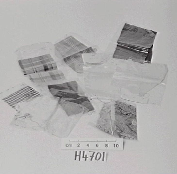 H4701 Textile samples (10), Rayon, Aralac, Lanital, nylon, wool, viscose / casein / wool / nylon, made in Great Britain and United States of America, 1940-1945. Click to enlarge.