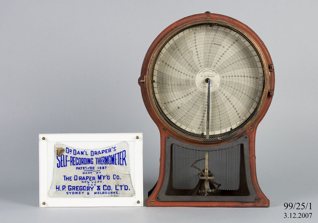99/25/1 Recording thermometer, self-registering thermometer, metal / glass / paper, made by Seth Thomas / The Draper Manufacturing Company, New York, United States of America, 1887-1907. Click to enlarge.