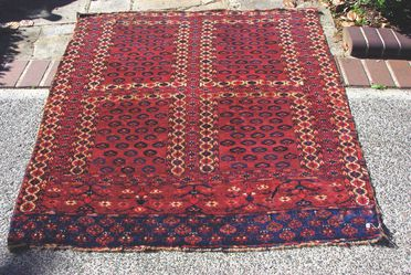 2015/26/14 Tent door cover (engsi), symmetrically knotted, wool, made by Yomut Turkmen women, Turkmenistan or north eastern Iran, early 1800s