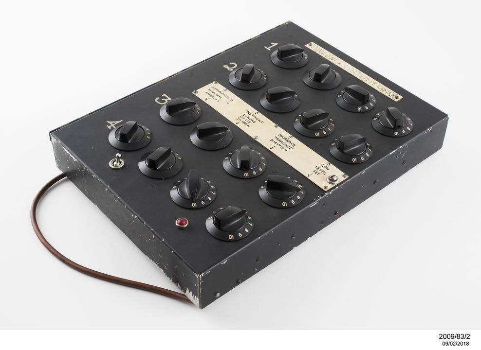 2009/83/2 Transient waveform modifier (envelope shaper), custom built, metal / plastic / electronic components / glass, probably made by Tristram Cary, England, 1958-1962. Click to enlarge.