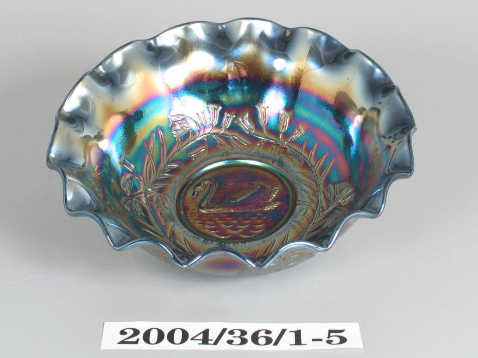 Carnival Glass Bowl With Swan Decoration Maas Collection