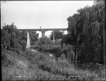 85/1284-33 Glass plate negative, full plate, 'On South Creek', Kerry and Co, Sydney, Australia, c. 1884-1917
