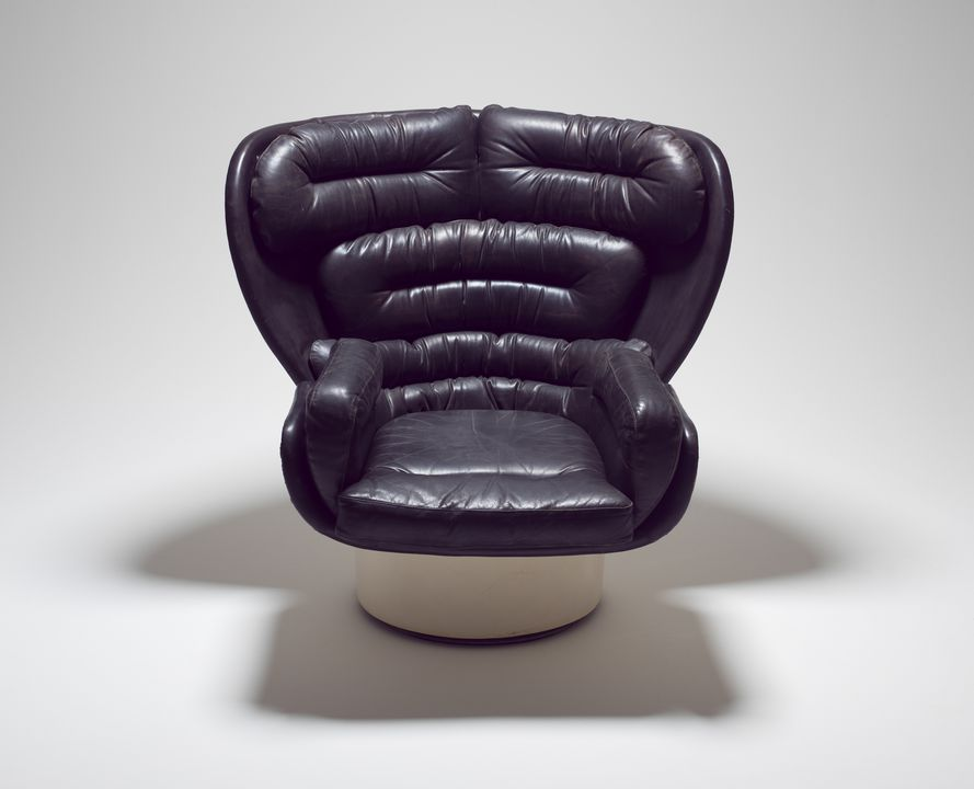 88/1054 Armchair, 'Elda 1005', fibreglass / reinforced plastic / leather, designed by Joe Colombo, Italy, 1964, made by Comfort, Italy 1965. Click to enlarge.