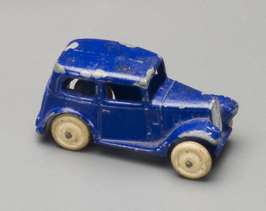 2008/158/1-6 Toy car, Dinky 'Small Cars' Saloon (35a), Dinky Toys, metal, made by Meccano Ltd, Liverpool, England, 1936-1940, used by Wyatt family, Tasmania and Roseville, New South Wales, Australia, 1936-1965. Click to enlarge.
