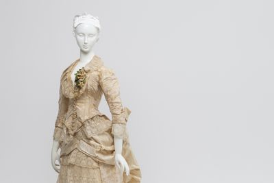 86/647 Wedding dress, womens, silk brocade / lace, worn by Elizabeth Jane Howard (nee Smith), Orange, New South Wales, Australia, 1883