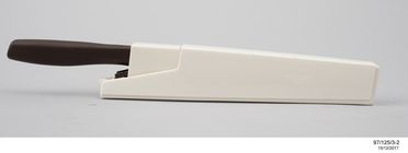 97/125/3 Knife and scabbard, and packaging examples, Wiltshire Staysharp series 400, plastic / steel / paper, designed by Wiltshire International, Melbourne, Victoria, Australia, made in Japan / Hong Kong, 1983-1984