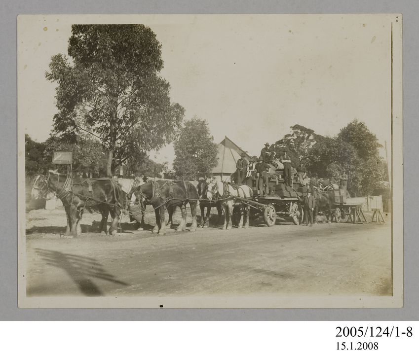 2005/124/1-8 Photograph, part of collection owned by James Short, black and white, horse team moving star camera, paper, photographer unknown, Sydney, New South Wales, Australia, 1922. Click to enlarge.