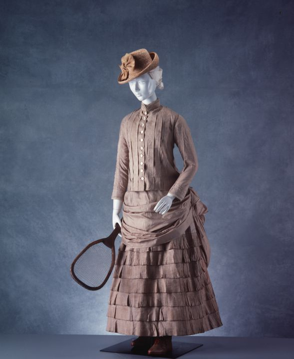 H6536 Tennis dress, womens, bodice and skirt, tussore silk, [England], 1880-1890.. Click to enlarge.