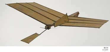 B114 Model flying machine, 48 band propeller type, paper / wood / rubber, made by Lawrence Hargrave, Rushcutters Bay, New South Wales, Australia, 1889