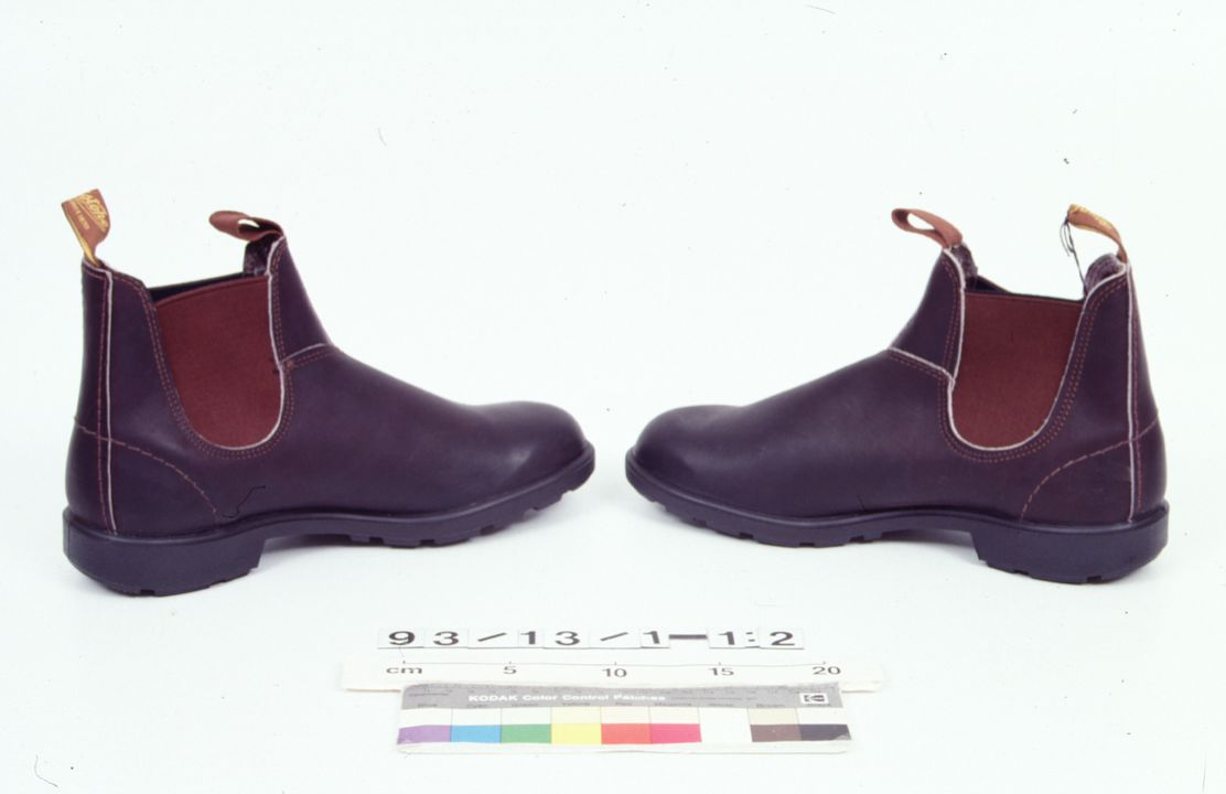 93/13/1 Boots (pair) and packaging, '505', leather, Blundstone Pty Ltd, Australia, 1992. Click to enlarge.