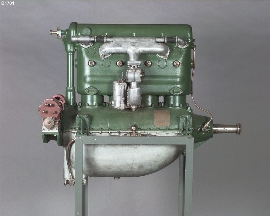 B1701 Aero engine, 'Harkness Hornet' No.101, prototype, 4 cylinder, designed by Donald (Don) Harkness, built by Harkness & Hillier Ltd, Five Dock, New South Wales, Australia, 1929. Click to enlarge.