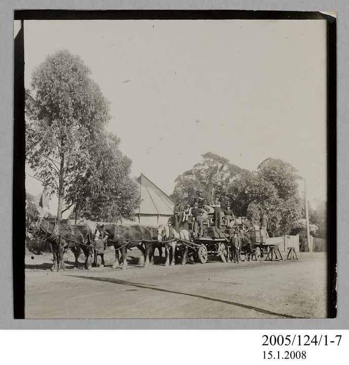 2005/124/1-7 Photograph, part of collection owned by James Short, black and white, horse team moving telescope, paper, photographer unknown, Sydney, New South Wales, Australia, 1922. Click to enlarge.