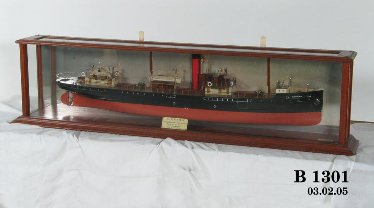 Burringbar' half-ship model - MAAS Collection