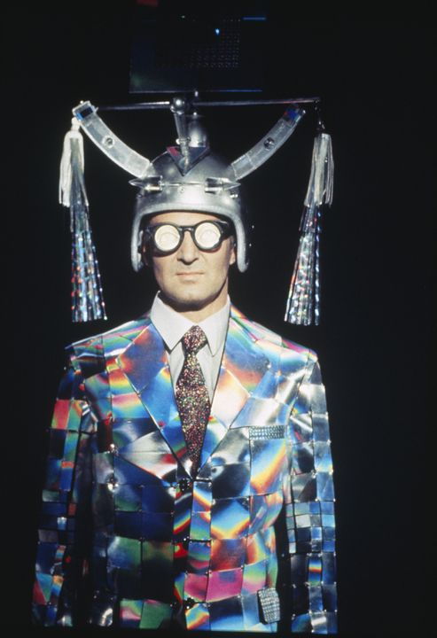 90/814 Ensemble, men's, 'New Age Business Suit', designed and made by Peter Tully, Sydney, New South Wales, Australia, 1988-1989. Click to enlarge.
