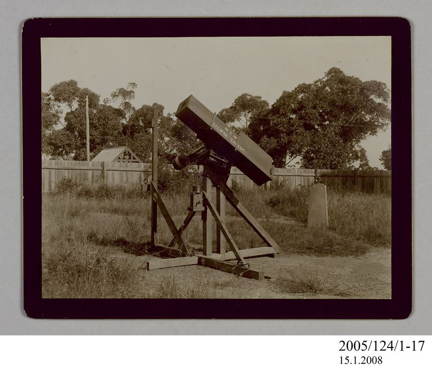 2005/124/1-17 Photograph, with caption, part of collection owned by James Short, black and white, 'Dallmeyer and Telephoto Camera', mounted, card / paper, photographer unknown, Sydney, New South Wales, Australia, 1922. Click to enlarge.