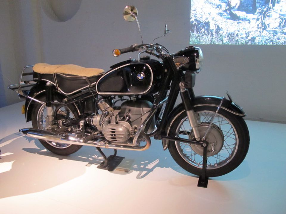 2017/4/1 Motorcycle, full size, BMW R50, 500 cc, 26 hp, boxer twin-cylinder, touring and sport model, registration 'DU 582', known as 'Du', handbooks, maintenance manual and accessories, metal / rubber, made by Bayerische Motoren Werke Ag, (BMW Aktiengesellschaft), Munich, Germany, 1965, with DriRid. Click to enlarge.