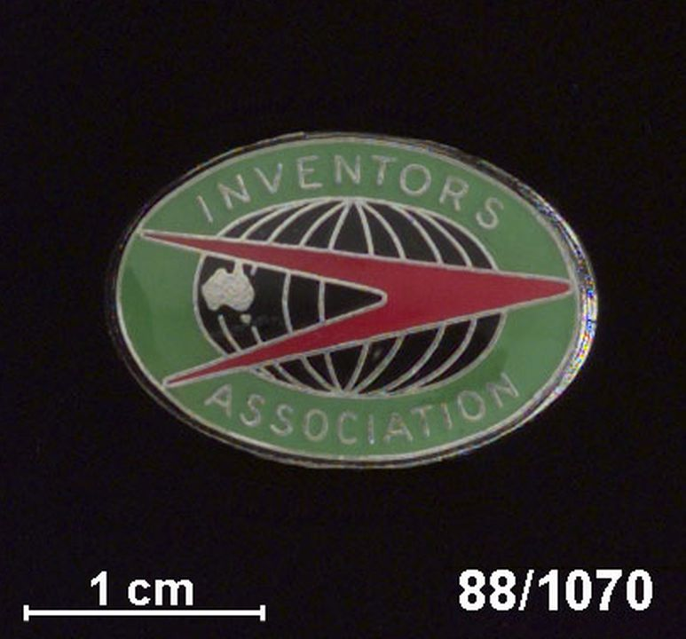 88/1070 Badge, 'Inventors Association', metal / enamel, made by G A Miller, Sydney, New South Wales, Australia, issued by Inventors Association of Australia, Australia, date unknown. Click to enlarge.