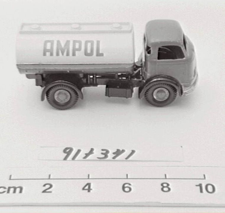 91/341 Toy truck, 'Micro Models', Commer Tanker, made by Goodwood (Australia) Productions Pty Ltd, Australia, 1952-1961. Click to enlarge.
