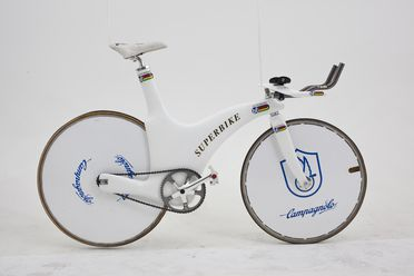 98/54/1 Bicycle, Olympic 'Superbike', carbon fibre / metal, Australian Institute of Sport / Royal Melbourne Institute of Technology / Bike Technologies, Australia, 1997