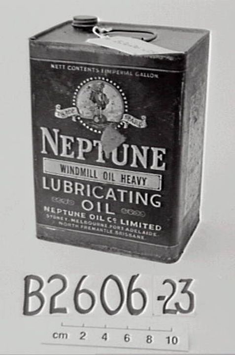 B2606-23 Oil can, 'Neptune Windmill Lubricating Oil', metal, made by the Neptune Oil Company, Australia, 1910-1950. Click to enlarge.