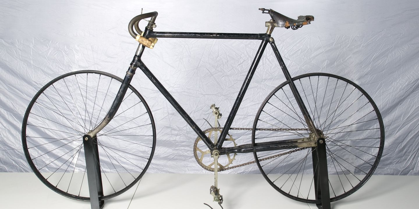 B583 Bicycle, 'The Dux', metal / leather, made by the Dux Cycle Company, Melbourne, Victoria, 1899, ridden around Australia by Donald Mackay, 1900. Click to enlarge.