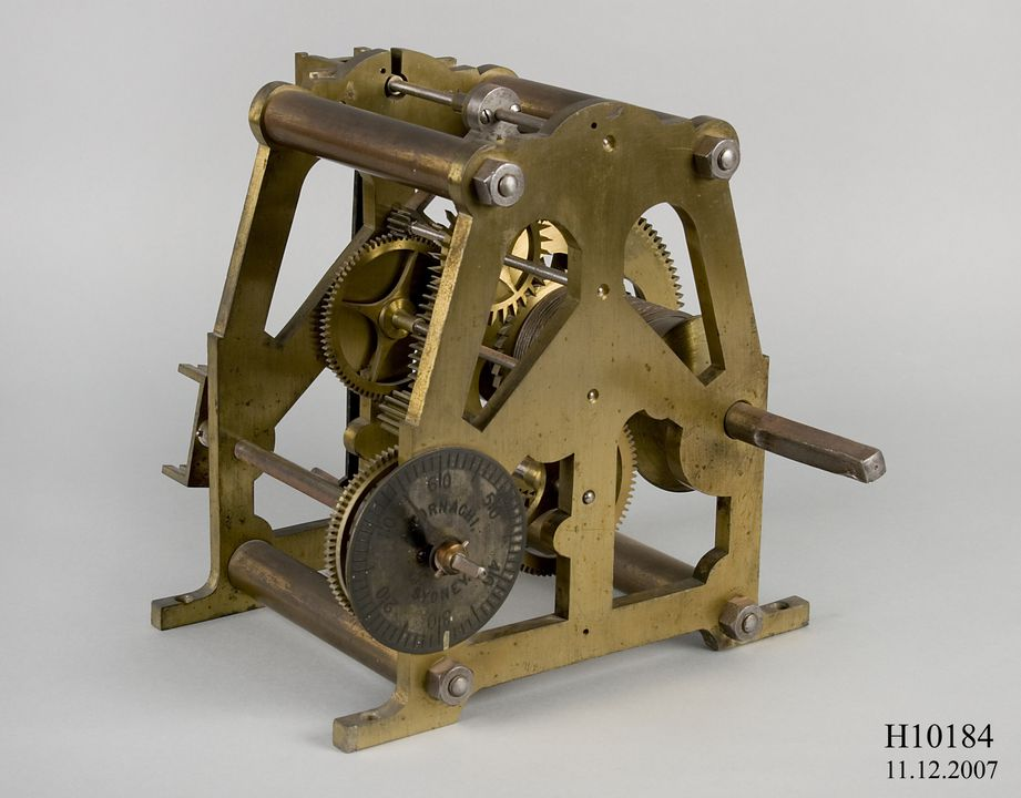 H10184 Turret clock drive for chronograph or telescope, metal, retailed by Angelo Tornaghi, Sydney, 1880-1890, used at Sydney Observatory, Observatory Hill, Sydney, New South Wales, Australia. Click to enlarge.
