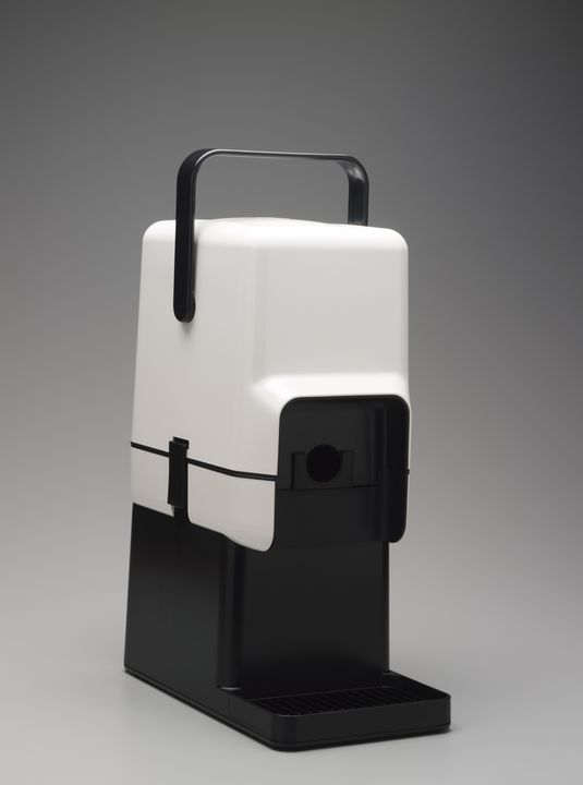 87/117 Wine cask cooler and bar stand, with packaging, plastic / card, designed by Richard Carlson, Melbourne, Victoria, Australia, 1984-1986, made by Decor Corporation, Scoresby, Victoria, Australia, 1986. Click to enlarge.