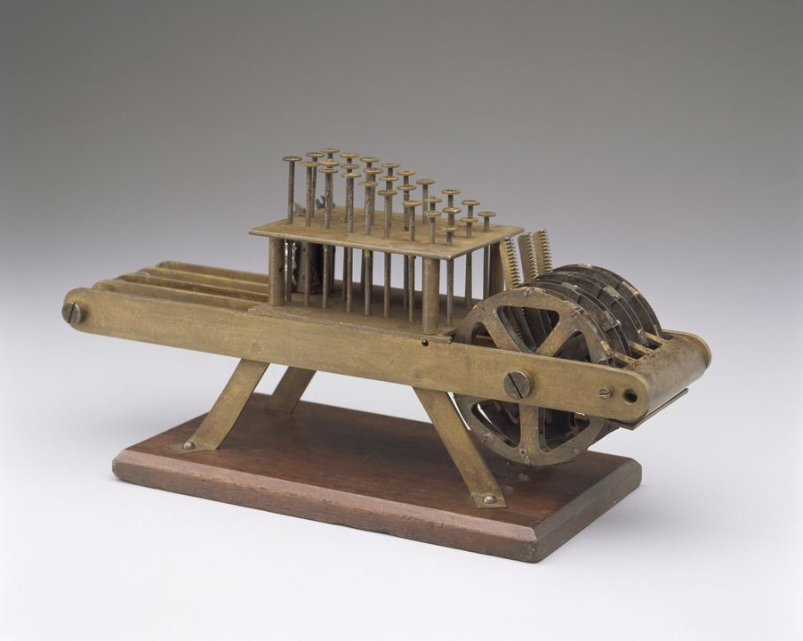 85/339 Calculator, mechanical, adding machine, brass / steel / wood /cork, used at Sydney Observatory, made by Lawrence Hargrave, Sydney, New South Wales, Australia, 1880-1883. Click to enlarge.