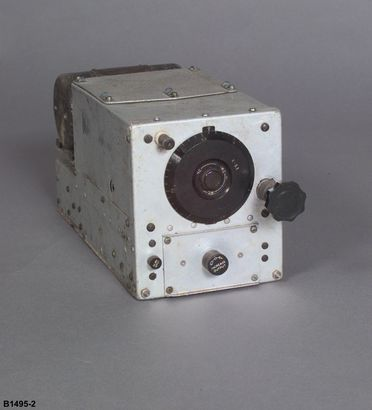 B1495-2 Radio receiver, Catalina flying boat, 'Frigate Bird II', metal / Bakelite, made by Western Electric, New York, New York, United States of America, 1940-1951, used on pioneering flight Australia-Chile, by P G Taylor, 1951
