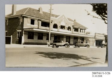 2007/61/1-3/26 Photographic print, black and white, exterior of Criterion Hotel, Moree, Hartwell Roberts, Sydney, New South Wales, Australia, 1935