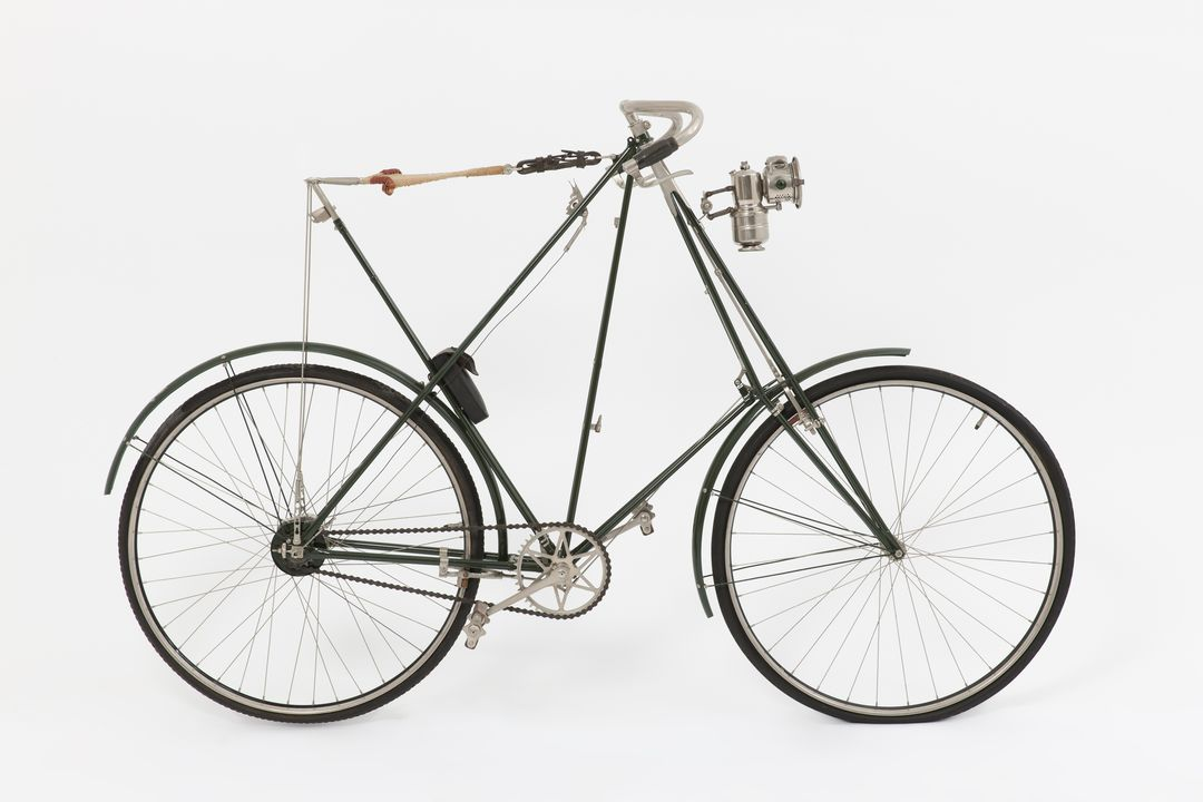B1265 Bicycle, gentleman's safety type, Dursley Pedersen, metal / leather, made by R. A. Lister & Co., Dursely, Gloucestershire, England, 1899-1910. Click to enlarge.