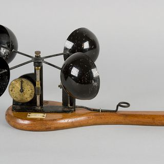 H10038 Anemometer, Robinson's anemometer, metal / wood / paper, made by J Hicks, London, England, 1875-1885 used by Sydney Observatory, Sydney, New South Wales, Australia