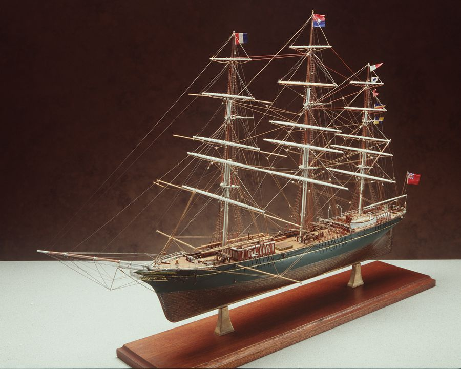 B2372 Ship model, tea and wool clipper, 'Thermopylae', of Aberdeen White Star Line, scale model, wood/fibre/glass, made by Cyril Hume, New South Wales, Australia, 1935 - 1979. Click to enlarge.