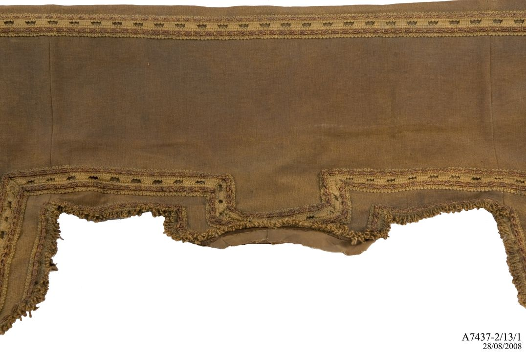 A7437-2/13/1 Curtain pelmet, wood, made by Wunderlich Limited, Redfern, Sydney, New South Wales, Australia, 1908-1909. Click to enlarge.