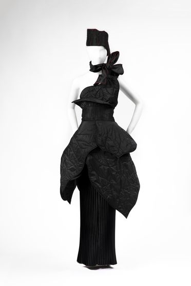 90/656 Outfit, comprising skirt, leaf shaped elements (7) and belt, 'Black Banksia', womens, silk taffeta / silk satin, Linda Jackson, Sydney, New South Wales, Australia, 1986