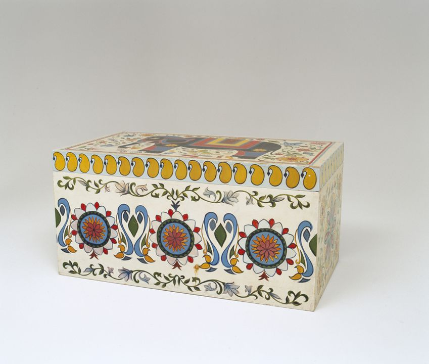 2002/148/1 Linen chest, wood, hand-painted by Mr S Hakim, Bangladesh, 1985. Click to enlarge.