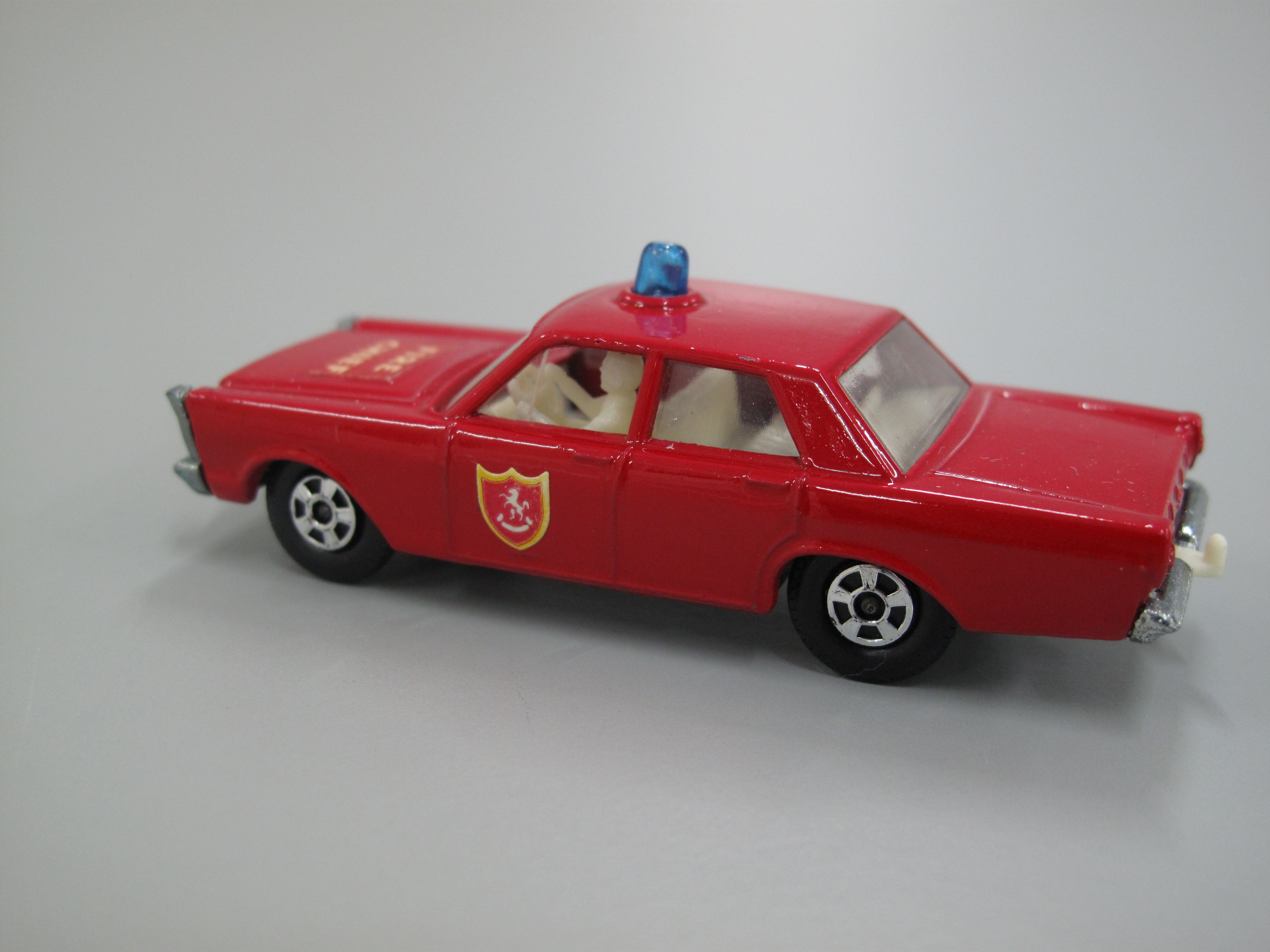 """D1 see pics Details about  /F/&F Red 50s Ford Fire Chief Cereal Package Car 3/"""" NICE"""
