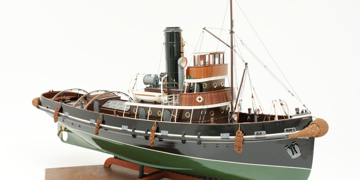"H4940 Ship model, New Zealand steam tug SS ""Awarua"", timber / metal / rope, made by Harry F. Allen, Carlton, New South Wales, Australia, 1940-1947. Click to enlarge."