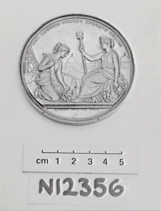 N12356 Prize medal, London International Exhibition, silver, designed by W Kullrich, London, England, 1862. Click to enlarge.