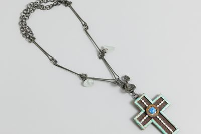 2000/15/1 Necklace, cross, wood / pearl / metal / glass / gold leaf, designed and made by Robert Ebendorf, USA, 1993