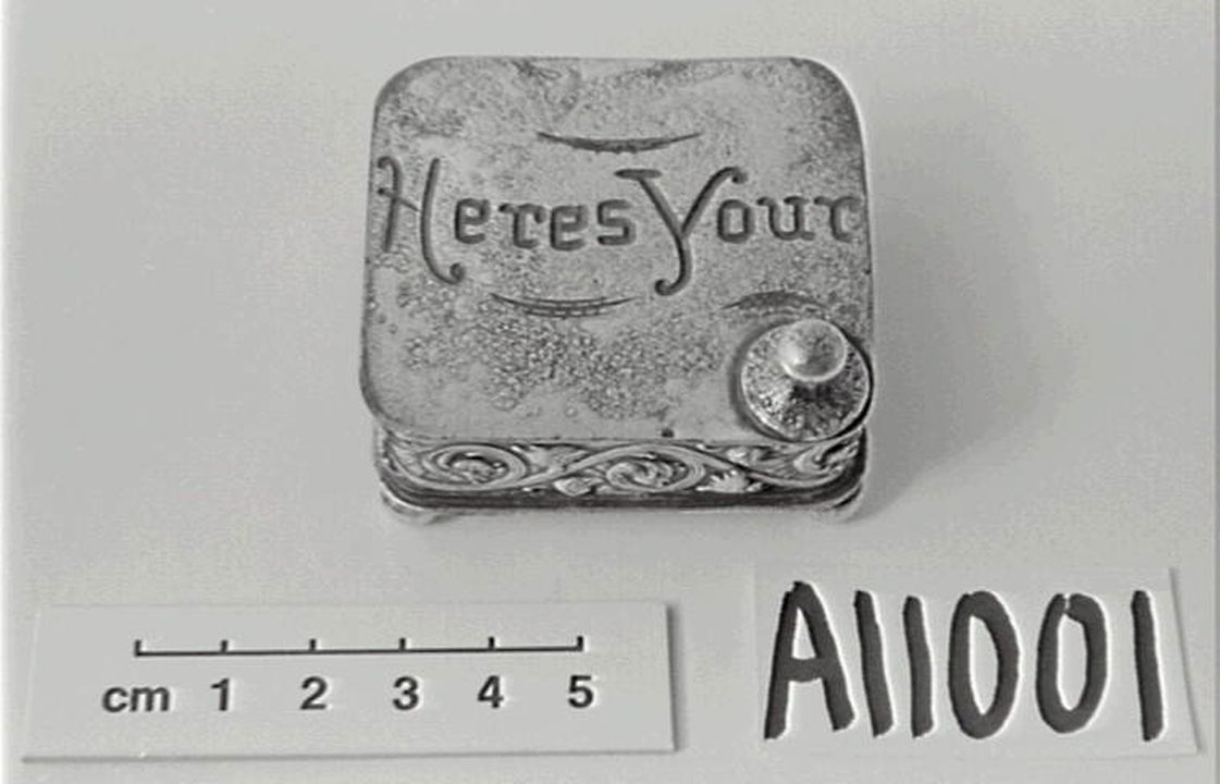 A11001 Stud box, electroplated, nickel / silver, Homan Silver Plate Co, Cincinnati, Ohio, United States of America, c. 1900. Click to enlarge.