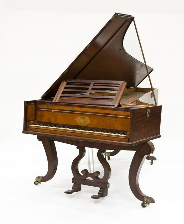 2010/42/2 Grand piano, timber, metal / ivory, made by Joseph Kirkman, London, England, [1815-1818]. Click to enlarge.