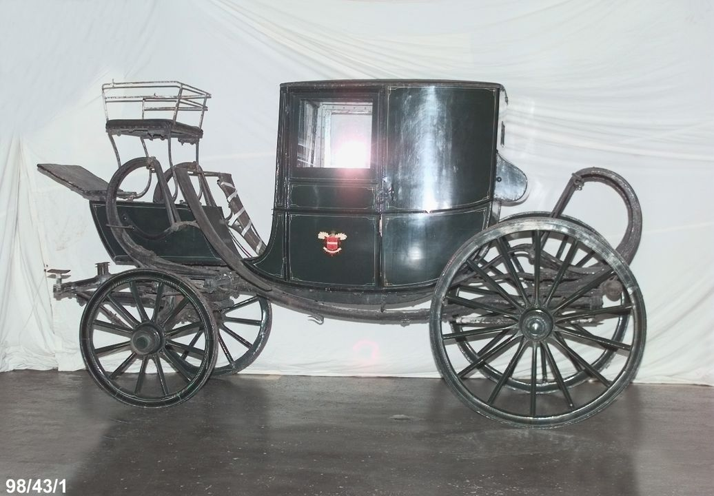 98/43/1 Coach, horsedrawn, travelling chariot, coupe, timber/metal, used by Alexander Berry, [in Sydney], made by Thrupp, London, England, c.1850. Click to enlarge.