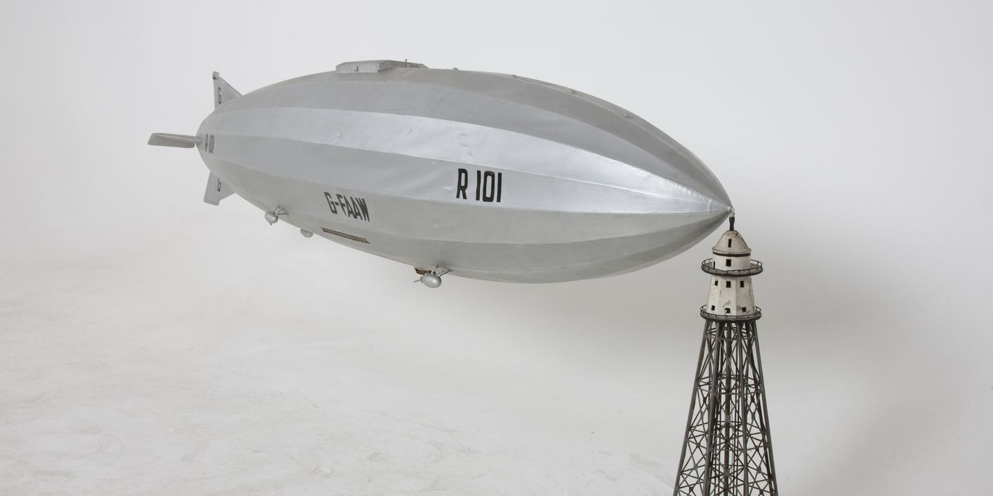 CollectionModel of 1929 British airship R101 G-FAAW