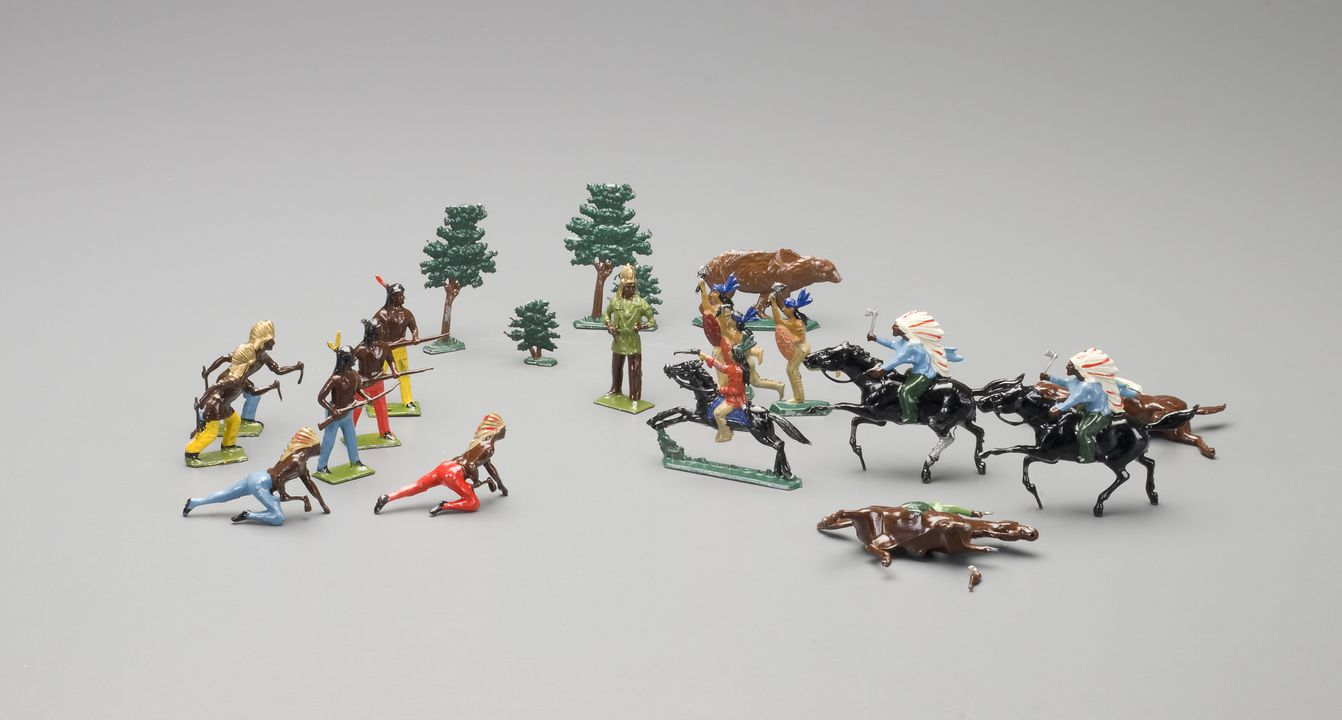 2008/158/4 Toy North American Indians and accessories (21), lead, made by Britains Ltd, England / maker unknown, place of production unknown,1908-1935, used by Wyatt family, Hobart, Tasmania, Australia / Roseville, New South Wales, Australia, 1935-1965. Click to enlarge.