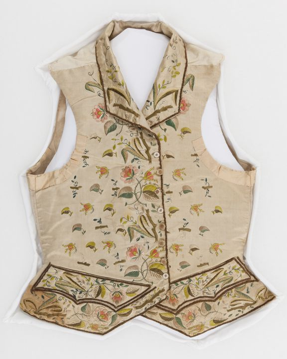 91/899 Waistcoat, mens, silk / linen, maker unknown, England, 1770-1790. Click to enlarge.